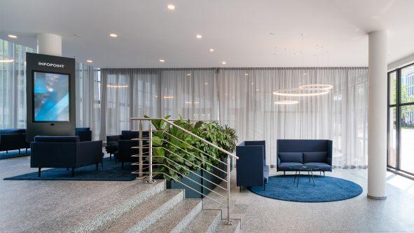 03-lobby